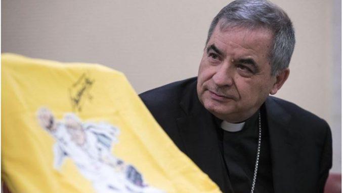 Оставка на моќниот ватикански кардинал Џовани Анџело Бечиу