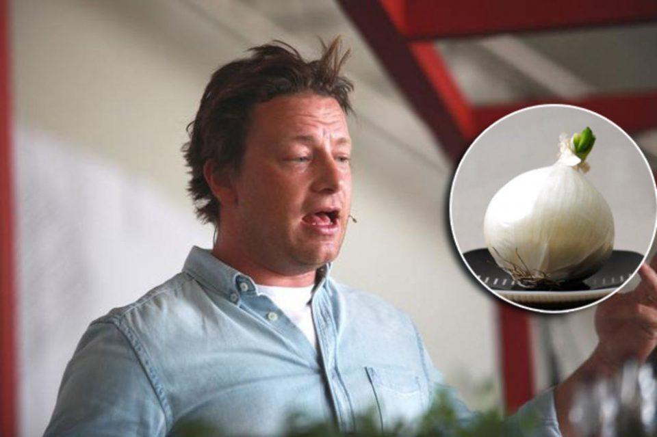Џејми Оливер откри трик кој целосно ќе го промени вкусот на вашата храна а е толку едноставен!