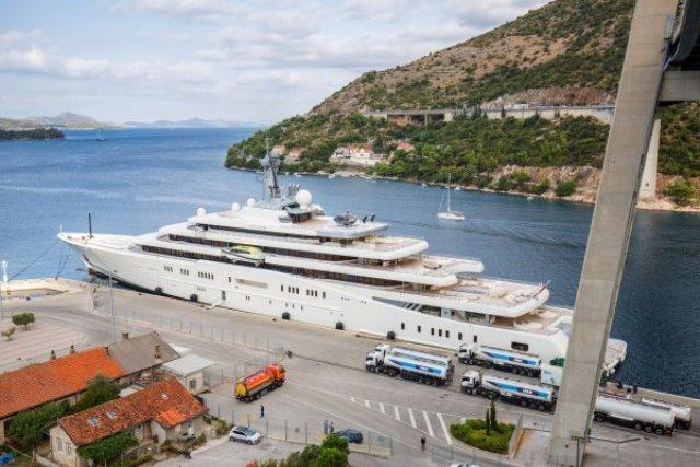 Овие познати милијардери годинава летуваат во Хрватска (ФОТО)