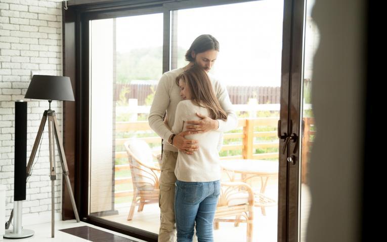 Осамени во брак: Многу парови патат, а има решение