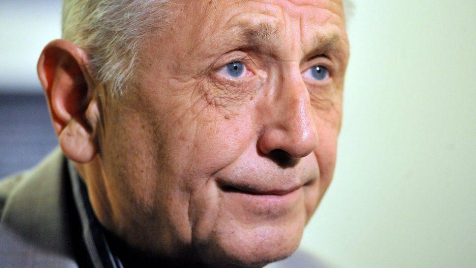 Почина чешкиот режисер Јиржи Менцел