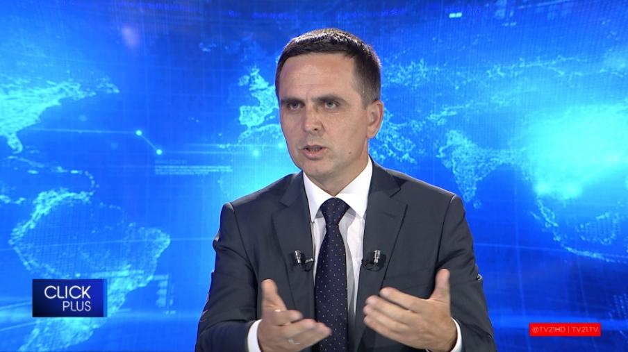 Касами бара двојазичност и во приватните фирми бидејќи дел од дипломираните Албанци не говореле добро македонски