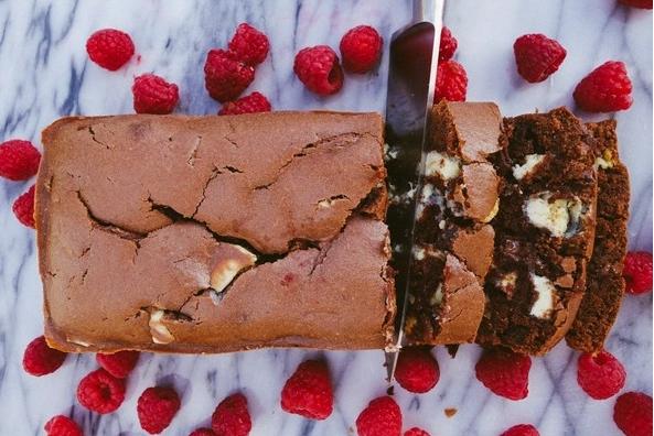 Нема да му одолеете на ова слатко задоволство: Направете си чоколаден леб каков што досега немате пробано