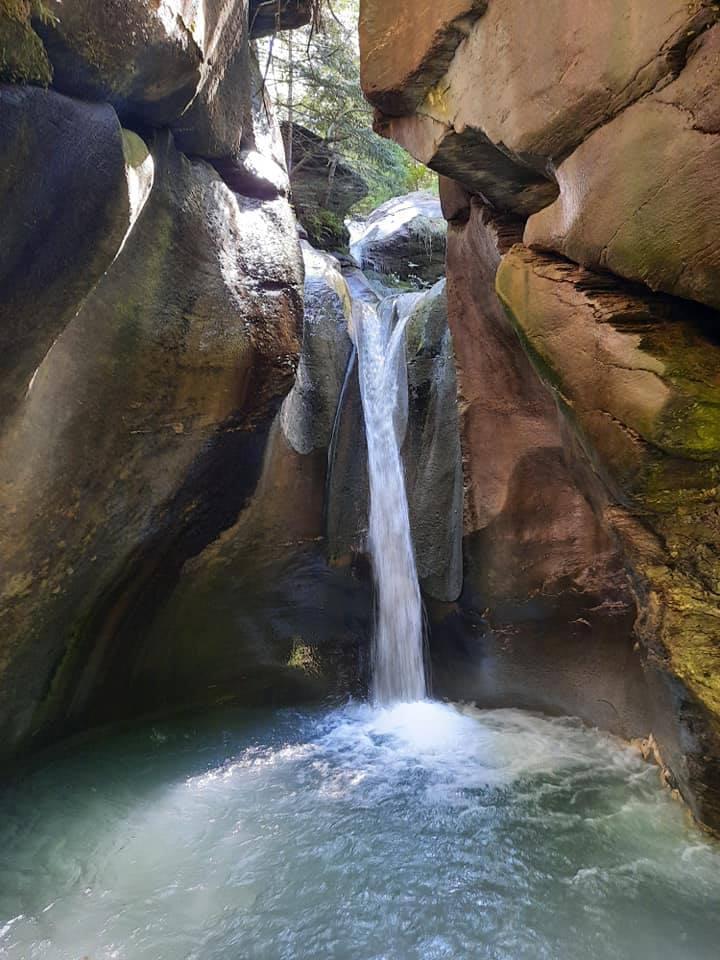 Со слика од водопадите на Лешница Еди Рама ги претставува убавините на Албанија, ќе реагира ли македонското МНР? (ФОТО)