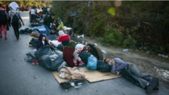 Првата група мигранти во БиХ сместена во воени шатори во кампот Липа