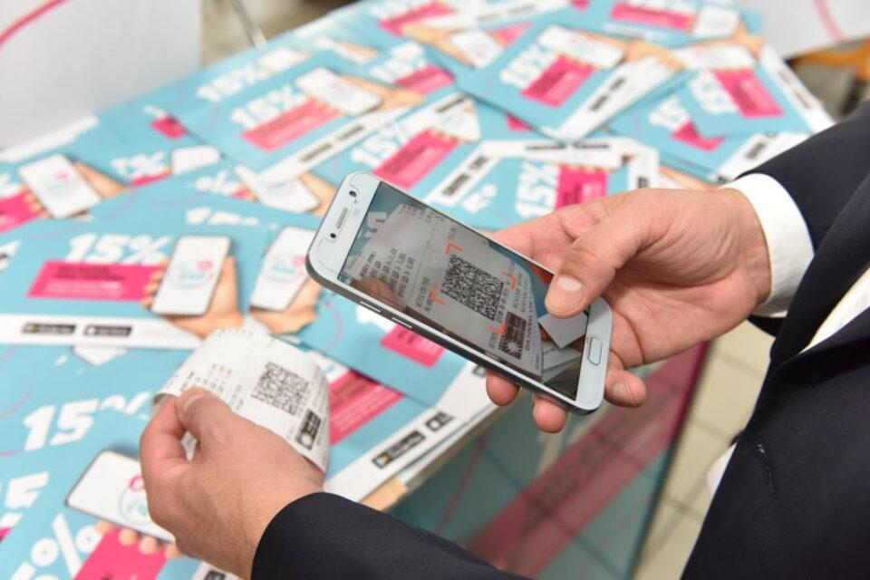 СДСМ се пофали: Од скенирање сметки 400.000 граѓани земале по 4 евра месечно
