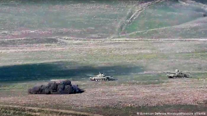 Целодневни судири во Нагорно-Карабах, се бројат мртви на двете страни