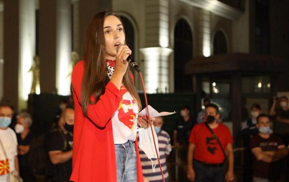 Најденовска: Младите се резигнирани поради гадостите во политиката, не е европска вредност кога не можат да ги слават хероите во кои веруваат
