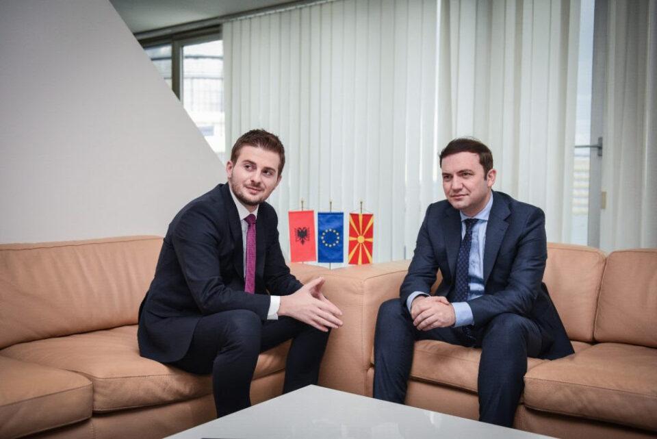 Османи ќе се сретне со шефот на албанската дипломатија Цакај