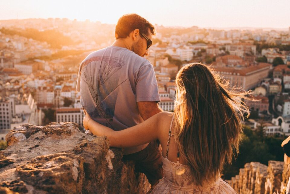 НАЈДОБРИОТ ПАР СПОРЕД ХОРОСКОПОТ: Нивната љубов е многу силна и врската им е нераскинлива