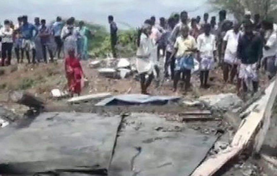 Седум жртви во пожар во фабрика за пиротехника во Индија