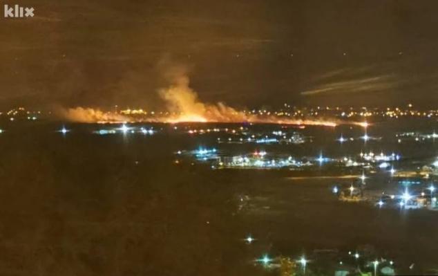 ФОТО: Голем пожар во индустриската зона во Мостар