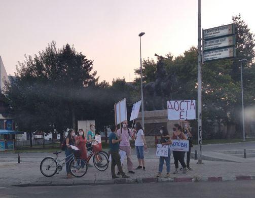 Граѓанските организации повторно на протест против поскапувањето на струјата