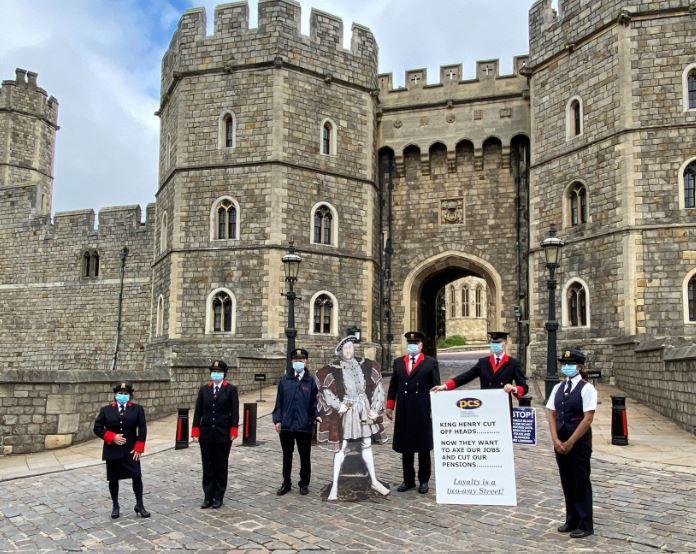 Вработените кај кралицата Елизабета II излегоа на штрајк