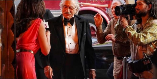 Роберт Де Ниро е ѕвезда на нова урнебесна комедија (ВИДЕО)