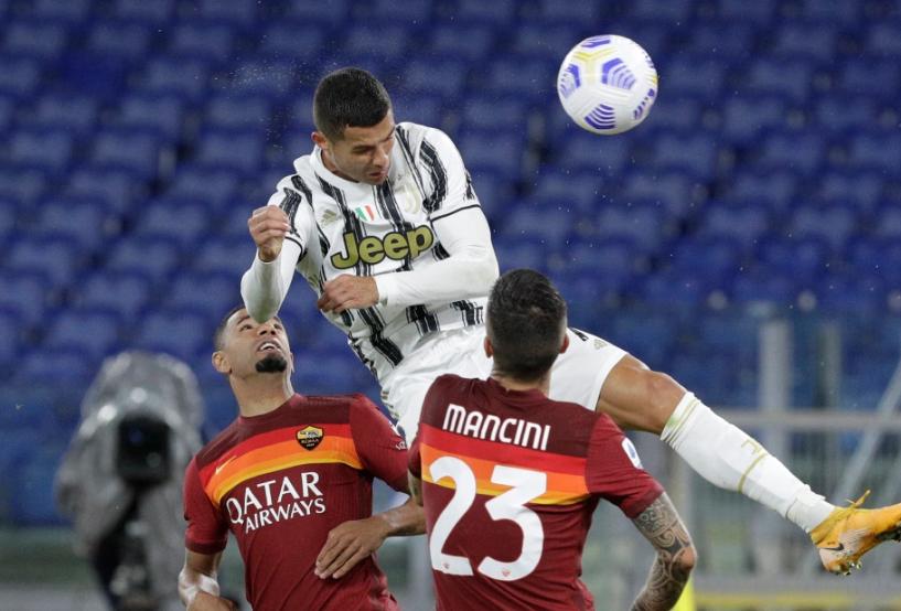"""ВИДЕО: Роналдо испиша историја, голот со глава во стилот на """"Ер Џордан"""""""
