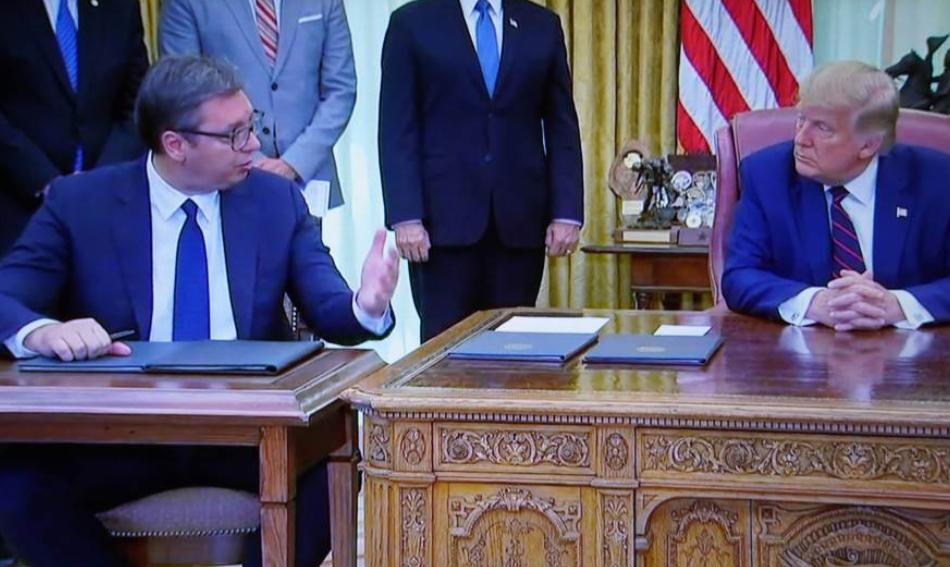 """Вучиќ: """"Трамп ми подари клучеви од Белата куќа"""""""