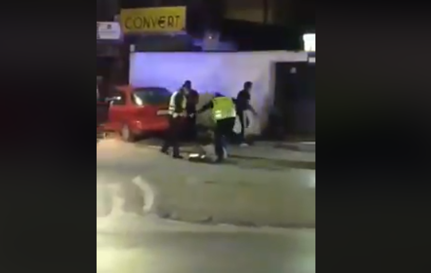 ВИДЕО: Полицајци брутално претепуваат човек на улица, Заев, Маричиќ, Спасовски вака ли изгледа правдата која ја ветивте?!