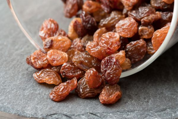 Еве што ќе се случи со вашето тело ако редовно јадете суво грозје