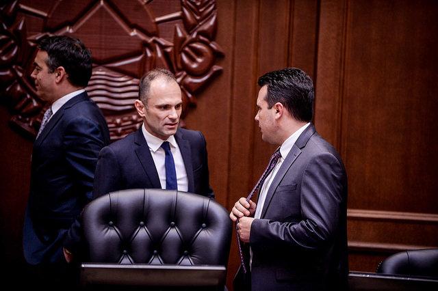 За да се спречи ескалација на новозаболени време е Филипче да примени реални мерки како во Словенија
