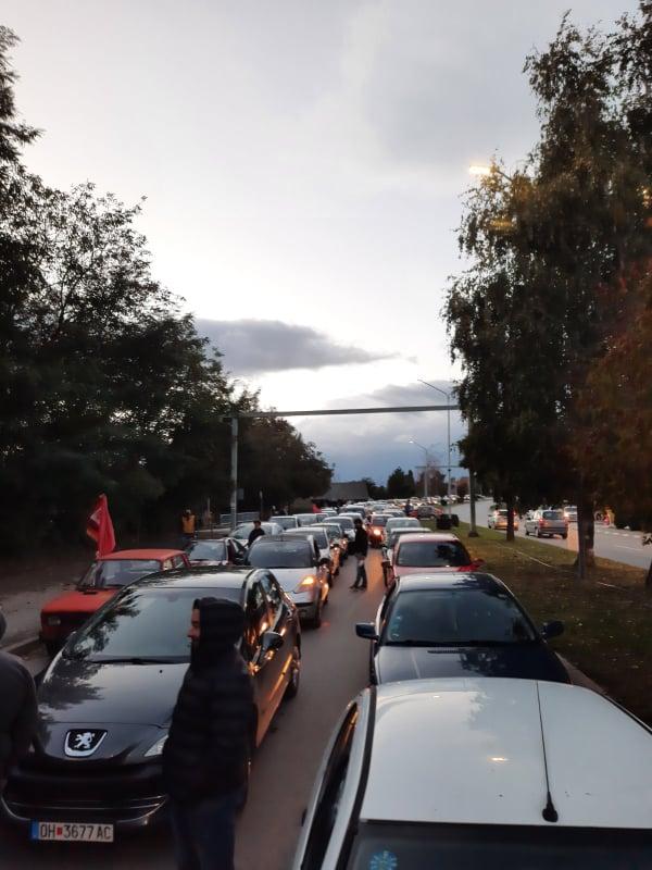 Мицкоски: Протестите се амбиентални и со возила, нема можност за ширење на коронавирусот