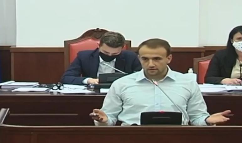 Стојаноски: Владата ги намали средствата за животната средина и аерозагадување од 90 до 100 проценти