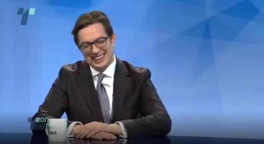 Зошто Пендаровски толку се смееше на вчерашното интервју? (ВИДЕО)
