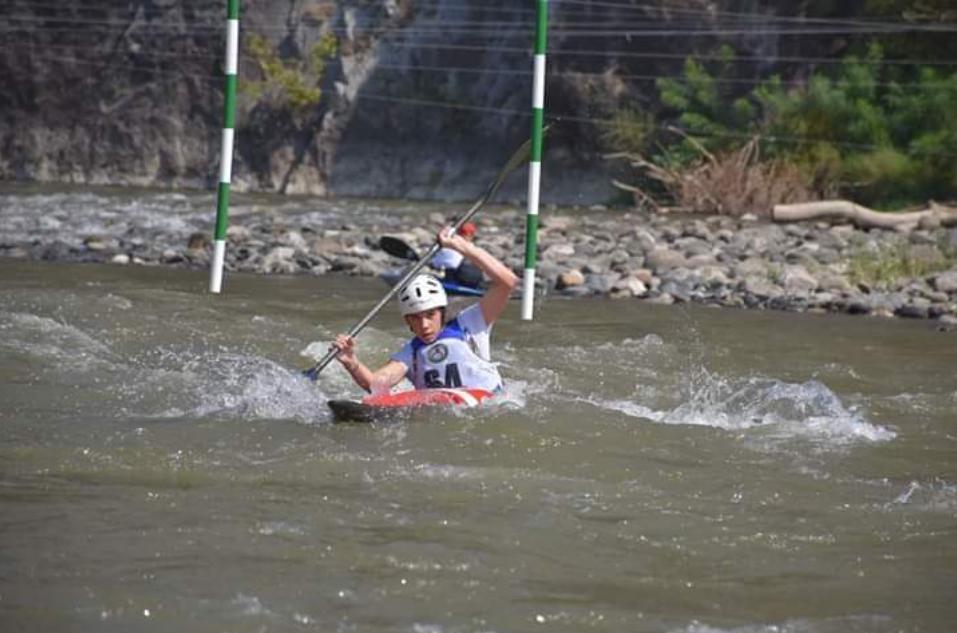 Демиркаписките кајакари со освоени неколку први места на државното јуниорско првенство во кајак на дива вода-слалом