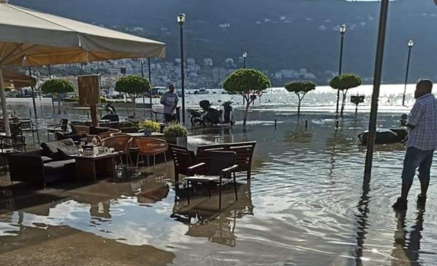 АЛАРМАНТНА СИТУАЦИЈА ВО ГРЦИЈА: По силниот земјотрес властите повикуваат сите да се оддалечат од морето, еве што следува! (ВИДЕО)