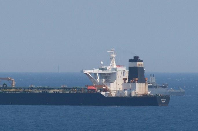 Британија: Уапсени седум лица на танкер поради закани кон екипажот