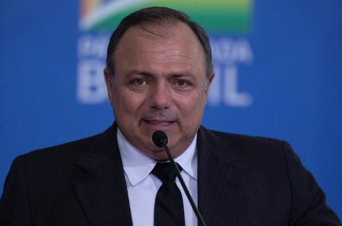 Бразилскиот министер за здравство е болен, постои сомнеж дека има Ковид-19