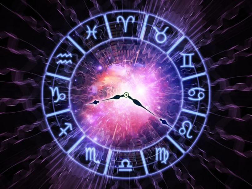 Бизнисот им цвета на астролозите – Луѓето прашуваат дали ќе ја преживеат пандемијата