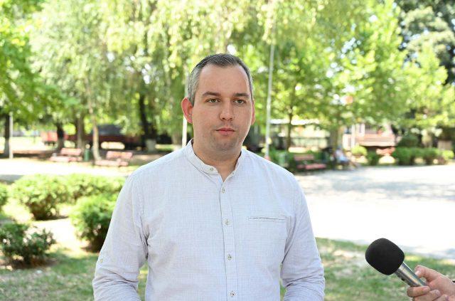 Советникот Цветковски потврдува дека има коронавирус, но демантира дека за време на седницата имал симптоми