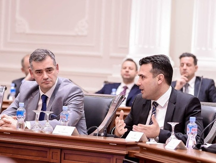 Го потврдува ли Заев мешањето во МОК со честитката до Димевски?