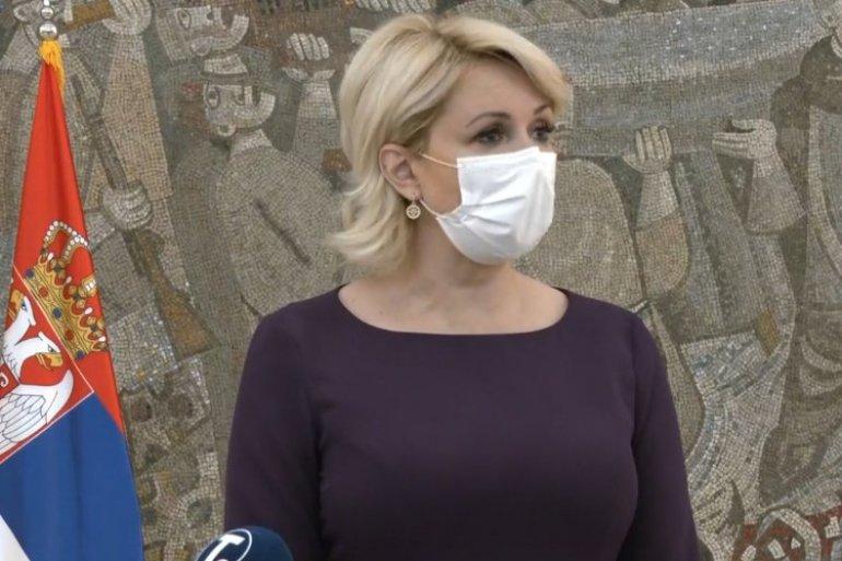 Србија: Сите граѓани мора да носат заштитни маски и на отворено