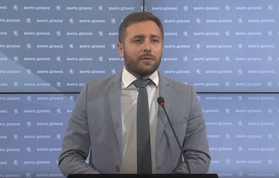 Арсовски: Народот зема минималец плата или воопшто не зема, а функционерите на СДСМ земаат илјадници евра