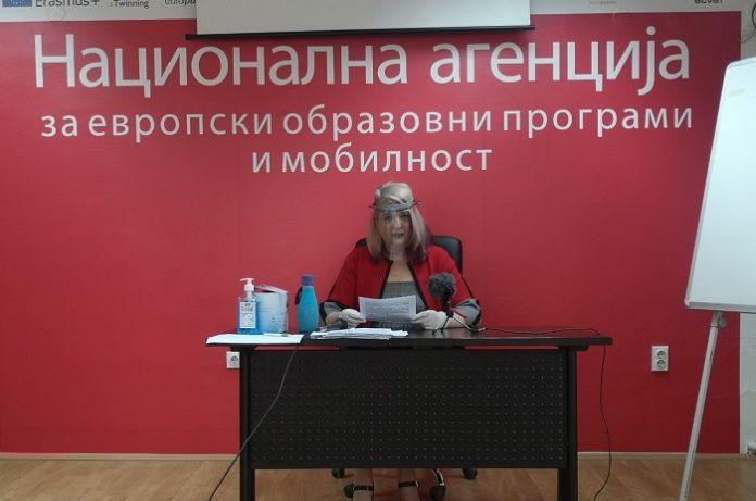 Андоновски: Расипништво се 300 илјади евра во луксузни возила, 170 дена патувања во странство, тендерите и грантовите на Димова