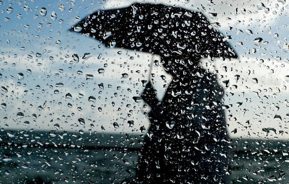 Заврши убавото сончево време- циклонот се приближува кон Македонија, следува пороен дожд, грмежи и силен ветер!