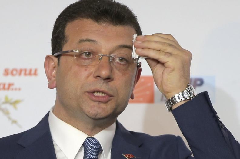 Градоначалникот на Истанбул хоспитализан поради коронавирус