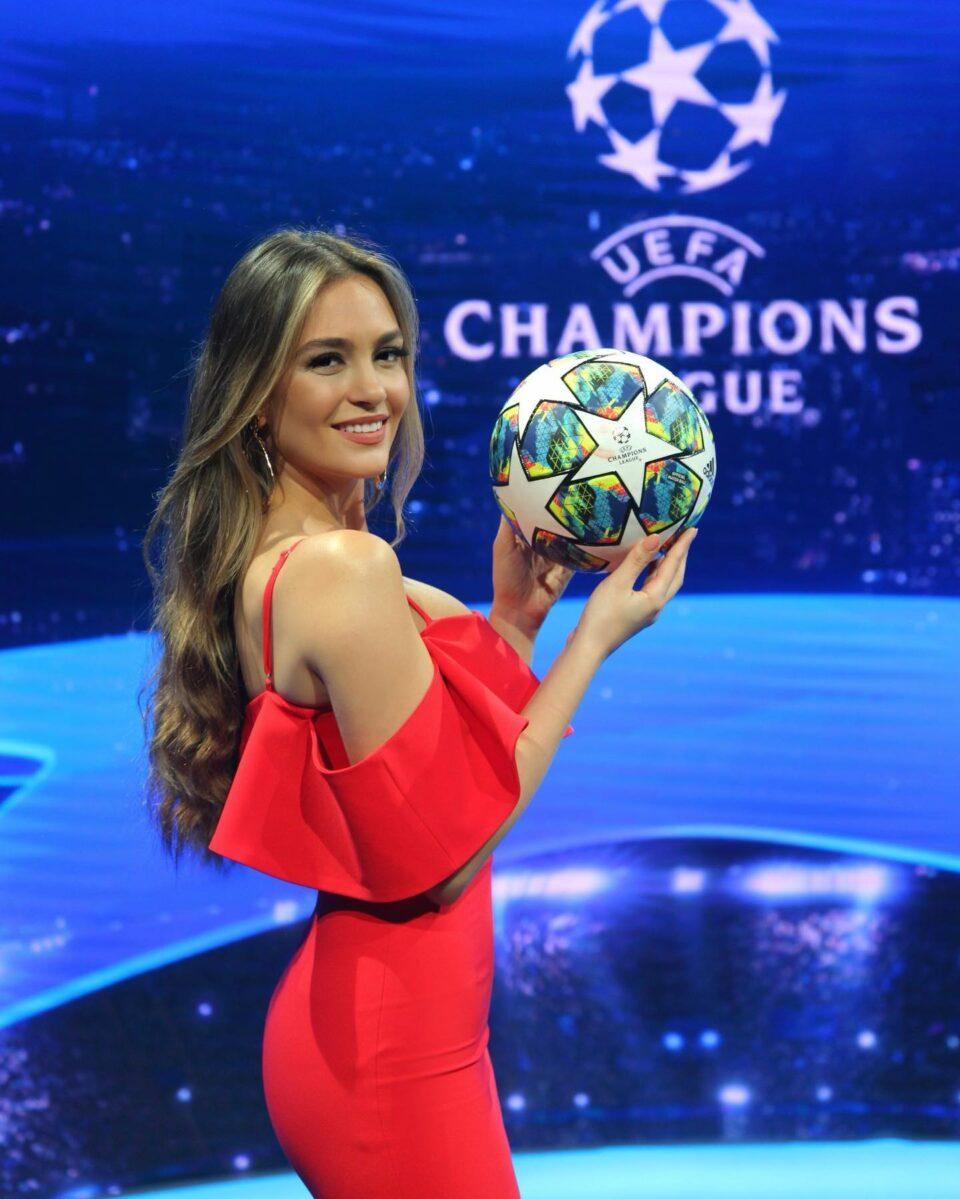 ФОТО: Ева е најпозната спортска новинарка во Албанија, а има и зошто!