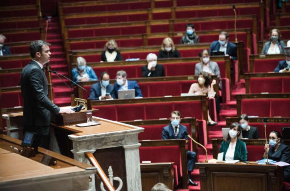 Француското национално собрание изгласа  продолжување на здравствената вонредна состојба до 16 февруари