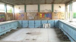 Затворениот пливачки базен во Струга остана само пуста желба на стружани
