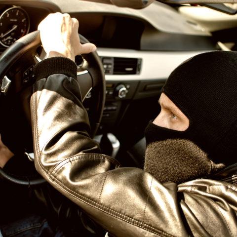Тетовец фатен при обид за кражба во возило