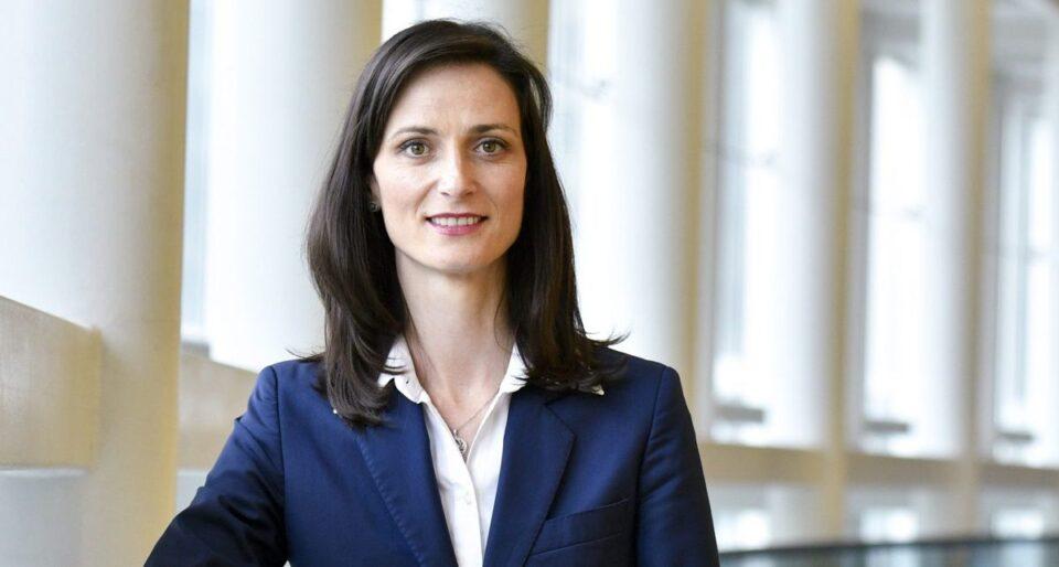 Марија Габриел е првата еврокомесарка позитивна на Ковид-19