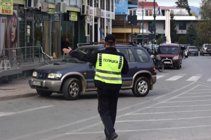 Го запреле поради сообраќаен прекршок, па бил агресивен кон полицијата