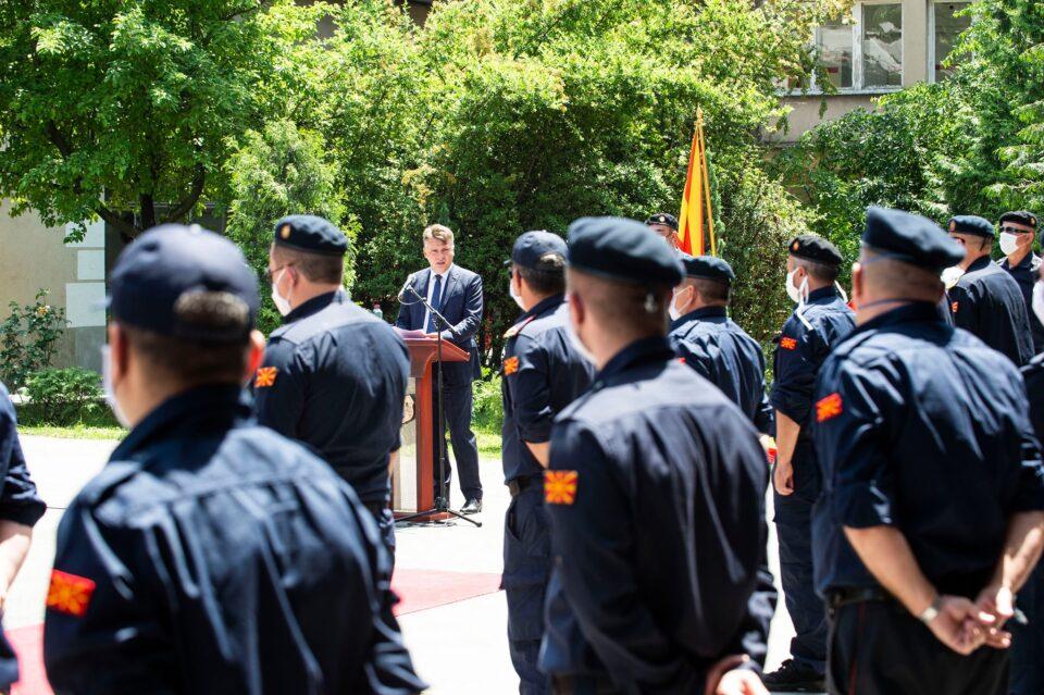 Протест на пожарникарите, Шилегов им порача ако им е мала платата да си најдат друга работа