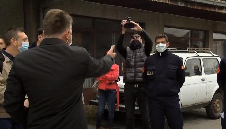 Шилегов наместо да изнајде решение за пожарникарите- тој го политизира нивниот протест (ВИДЕО)