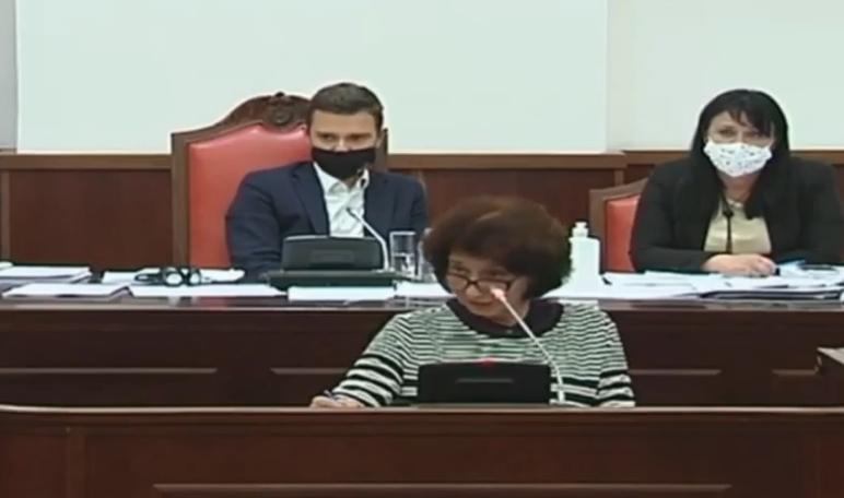 Силјановска Давкова: Во ребалансот не гледам пари за образованието, тоа е многу лоша политика
