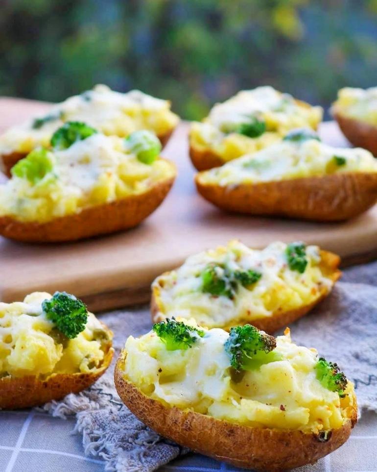 Викенд рецепт: Полнети двојно печени компири