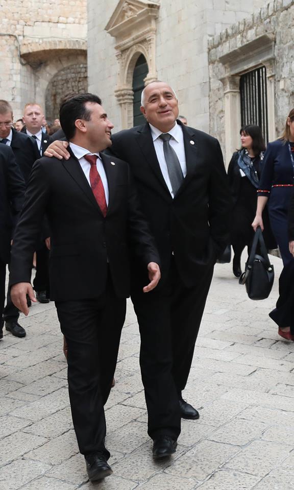 Мицкоски: Бугарија инсистира на навредливите позиции за нас поради тоа што знаат дека со Заев може да добијат многу